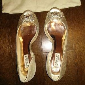 Badgley Miscka embellished gold peep toe heels sz9
